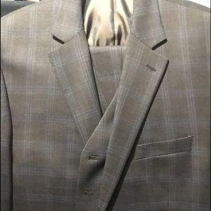 Men's Gray Michael Kors 3 piece suit 44 L